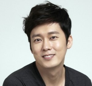 Yoon Jae Young (Oh My Baby)