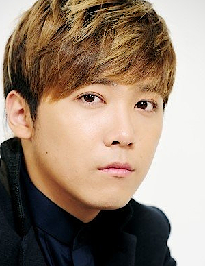 Lee Hong Ki in Coming Out! FTISLAND Korean TV Show (2015)