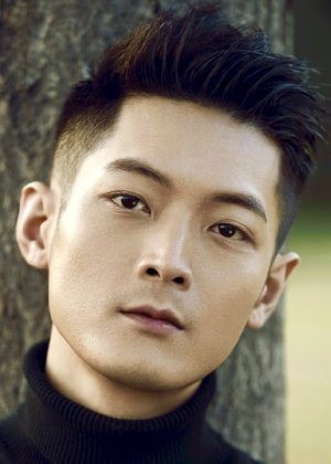 Zheng Louis in The Ugly Queen Chinese Drama (2018)