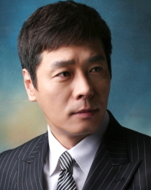 Hong Il Kwon in Wife and Woman Korean Drama (2008)