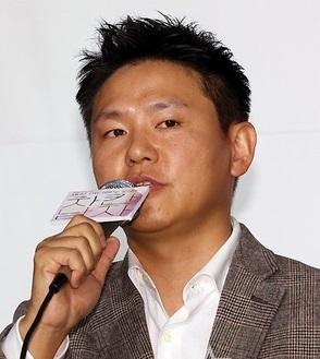 Kim Jin Won in Crossing the Youngdo Bridge Korean Special(2011)