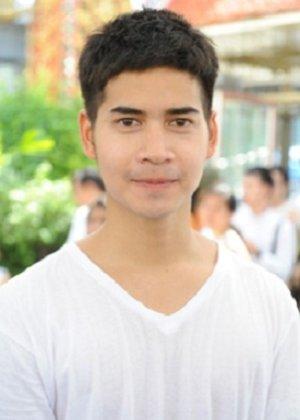 Freud Chatphong Natthaphong in Pee Mak Thai Movie (2013)