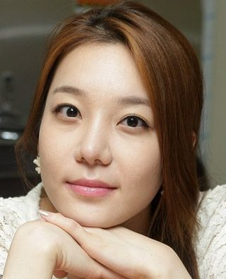 Jung Ji Ah in Drama Special Season 4: Mother's Island Korean Special (2013)