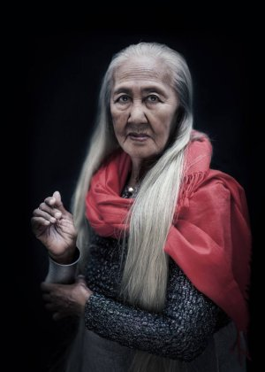 Lilia Cuntapay in Six Degrees of Separation from Lilia Cuntapay Philippines Movie (2011)
