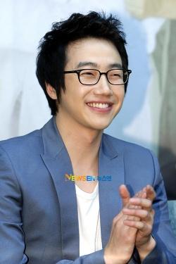 Jung Woon Kim