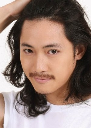 Vaan Chanintorn Jitpreeda in Back to the 90's Thai Movie (2015)
