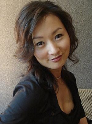 Carol Cheng in Three Exits to Love Taiwanese Drama (2013)