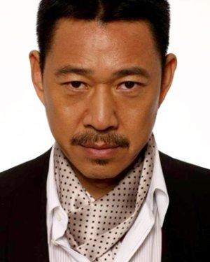 Feng Yi Zhang