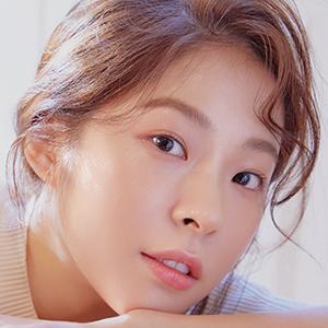 Seo Eun Soo in The Smile Has Left Your Eyes Korean Drama (2018)