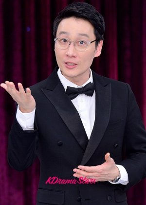 Lee Hwi Jae in Vocal War: God's Voice Korean TV Show (2016)