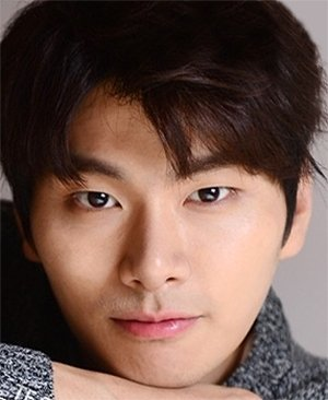 Yi Kyung Lee