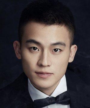 Ye Qian Ze (Love Under the Moon)