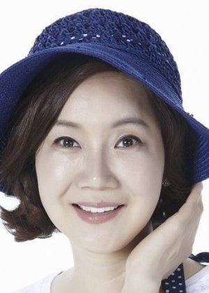 Yang  Mi Kyung in Still Loving You Korean Drama (2016)