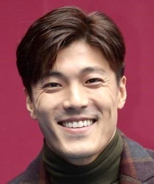 Lee Jae Yoon in Heart to Heart Korean Drama (2015)
