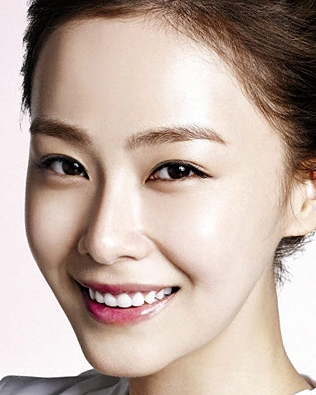 Hong Soo Hyun in Give Love Away Korean Drama (2013)