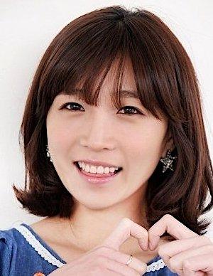 Cho Hee Lee