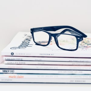theladywearsglasses