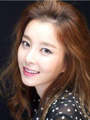 Min Se Yun (Your Lady)