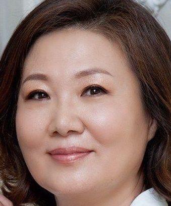 Kim Hae Sook in Because I Really Korean Drama (1997)