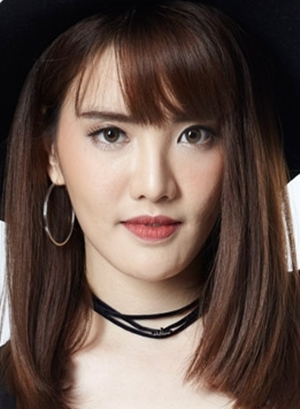 Duaysienklao Kornpassorn in Paragit Likhit Huajai Thai Drama (2017)