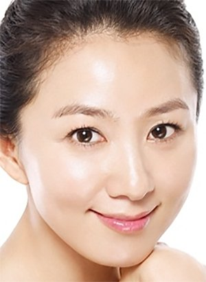 Yoon Seo Rae (A Wife's Credentials)